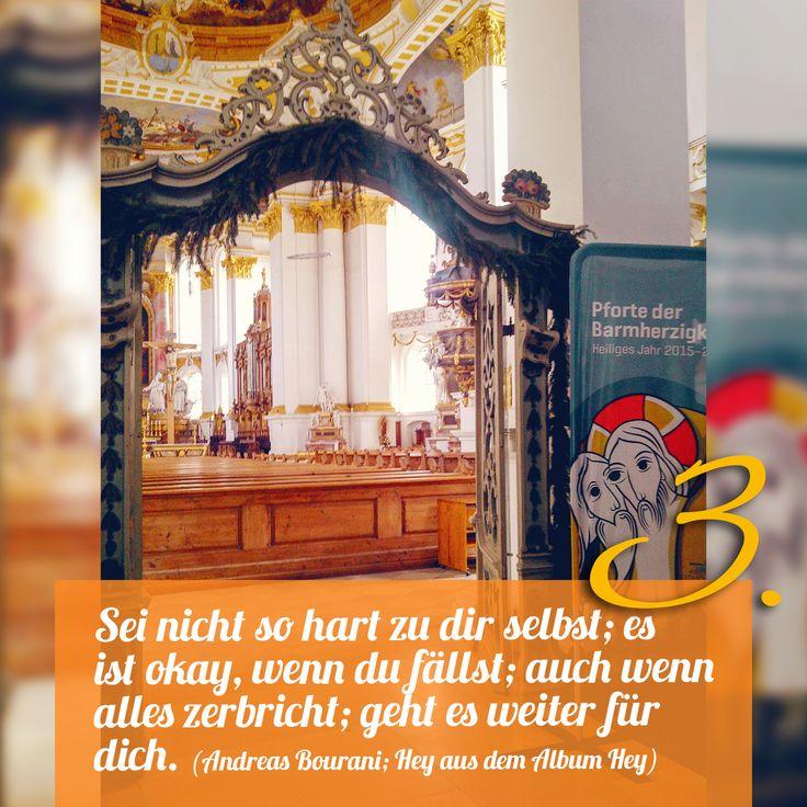 ZItat zum Advent von Andreas Bourani, Hey aus dem Album Hey , Kirchentüre: St Martin Ulm Wiblingen in Baden-Württemberg