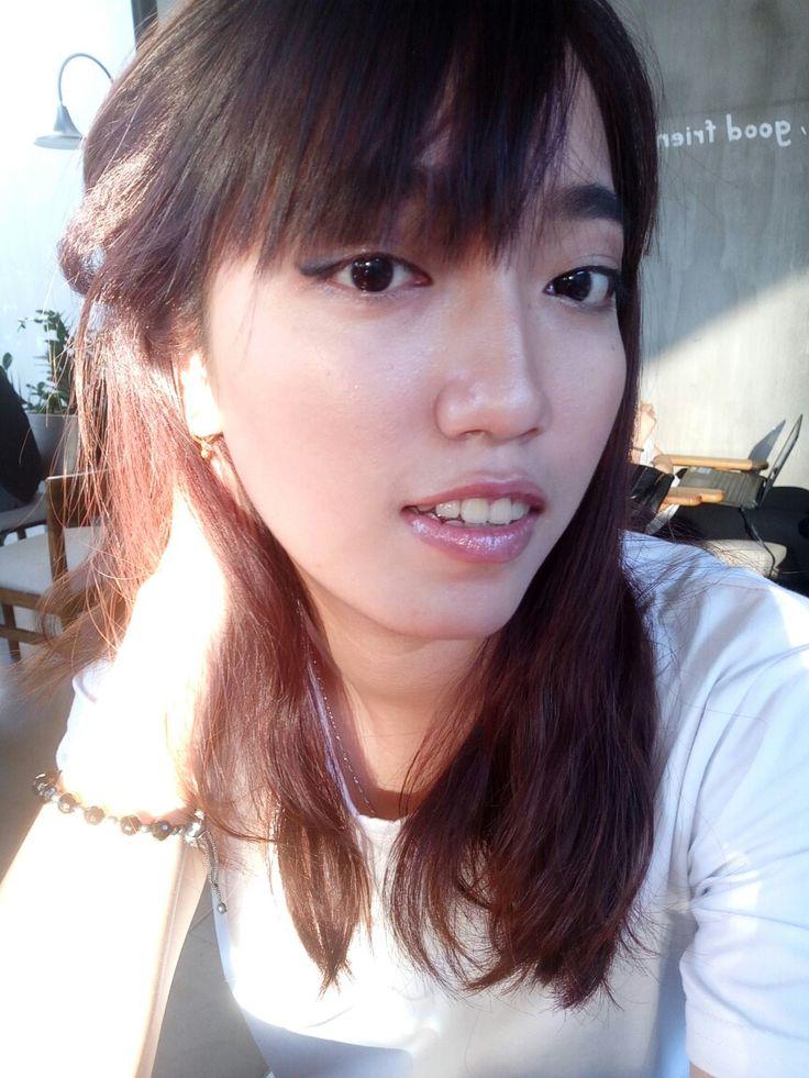 Makeup đơn giản Sữa chống nắng 50+ Pa ++++ không trôi  Phấn nền siêu mịn Không trôi SPF 28+ UA +++ Son bóng Sweet Melon Tạo khối bằng phấn 3D Nhũ mắt tím + mascara ko vón cục