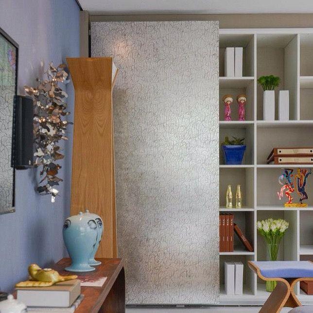 Revestimento Sibu na porta do armário. #revestimento #tuttoabordo #sibudesign #decoração