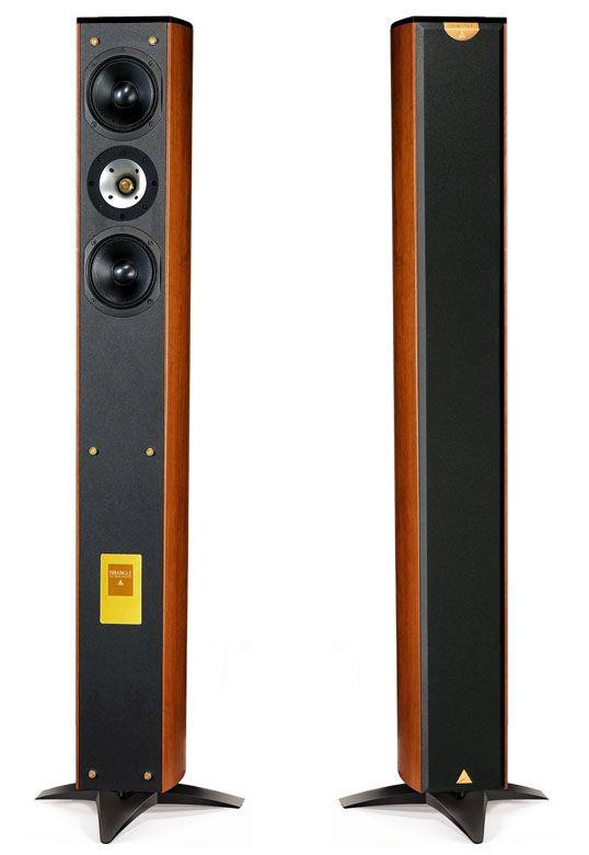Ce système Odyssey est la réponse de Triangle aux attentes d'amateurs de bon son et de belles enceintes. Il mêle en effet raffinement esthétique et sonorité, afin d'offrir un produit facile à vivre et polyvalent, Hi-Fi et Home Cinéma. Et s...