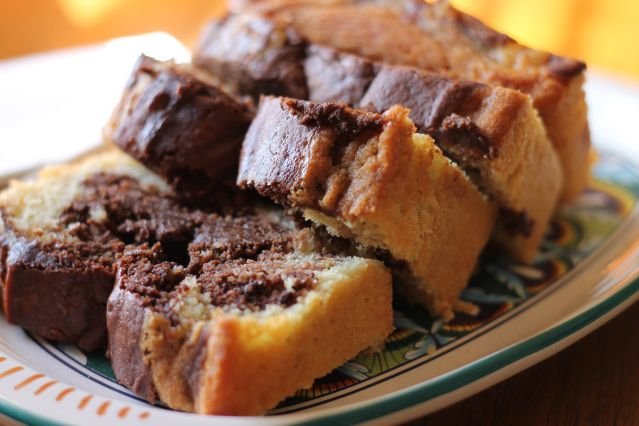 Marble Pound Cake - velvety chocolate meets sweet vanilla in this rich cake that everyone will love. I dare you to eat just one slice!