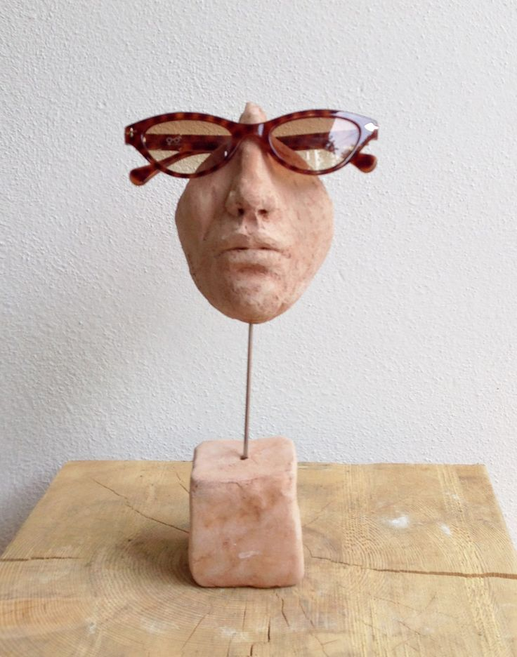 Eyeglasses stand sculpture #modern #minimal #madeinitaly #terracotta #clay #morphingpot
