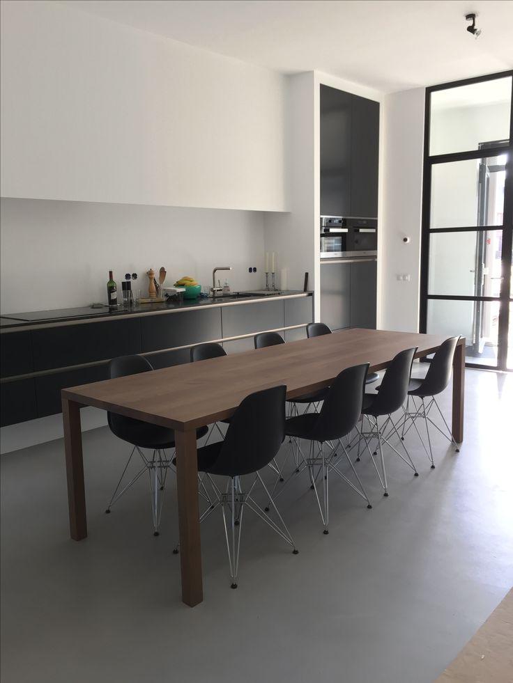 Eiken tafel, Strak ontwerp Meubelmakerij De Klomp in Ede