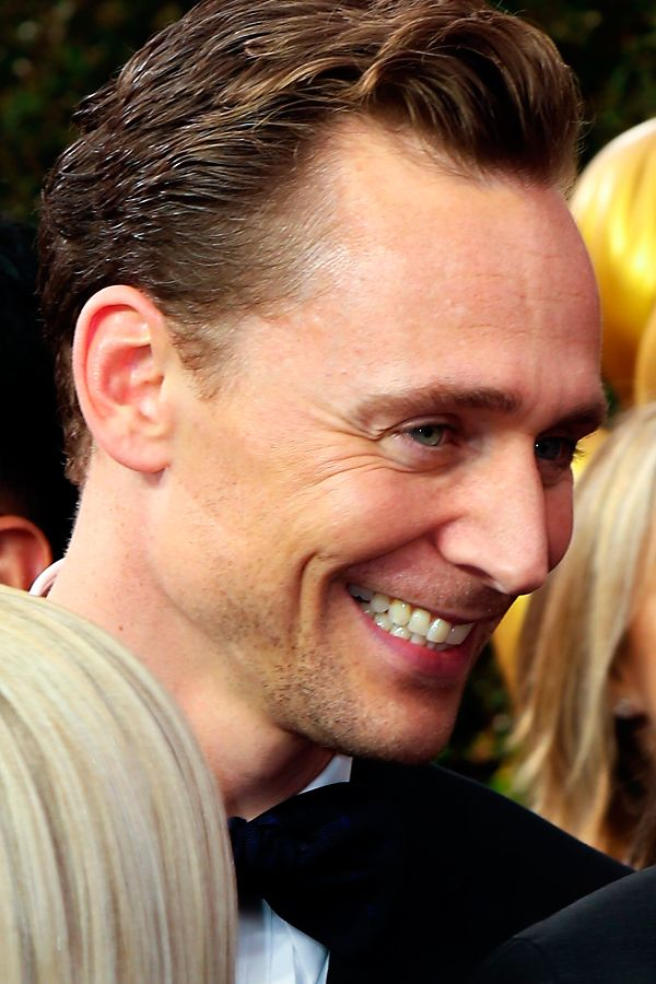 Tom Hiddleston at the 68th Annual Primetime Emmy Awards Red Carpet Arrivals - 18th September. Source: tomhiddleston.us. Click here for full resolution: http://tomhiddleston.us/gallery/albums/2016/events/18EmmysArrivals/119.jpg