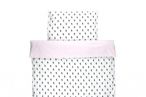 Lighting bolts with pastel pink. Lovely duvet cover for a girl. Available dimensions 90x120 and 100x140.