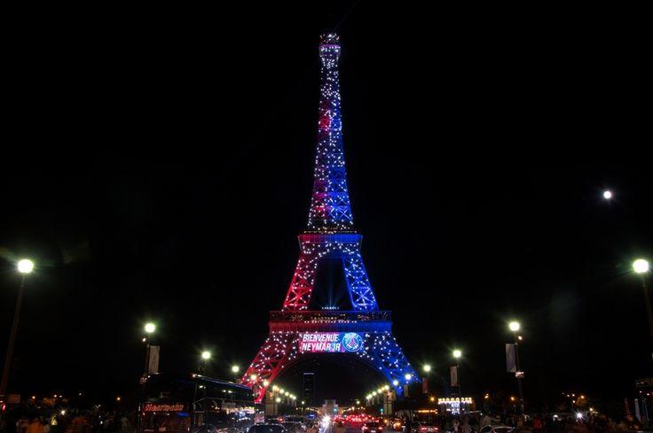 Critican iluminación alegórica de Torre Eiffel en casos como llegada de Neymar - El Nuevo Diario