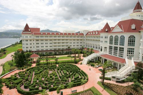 Hongkong Disneyland Hotel - @Mylvie Bautista Bautista Alexis this is where we're staying