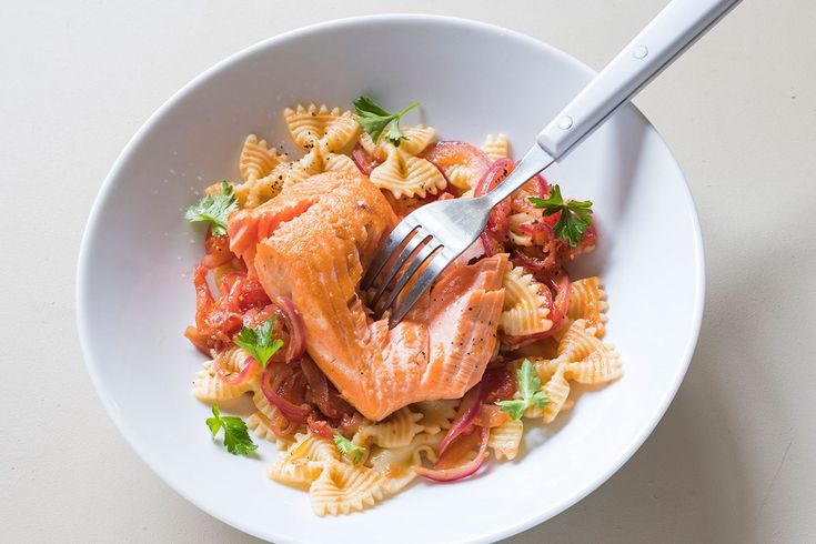 Farfalle with orange and tomato sauce