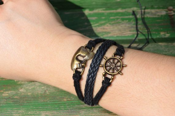 These Sailor Theme Rudder & Face bracelets are great for everyday wear, as well as for gift giving!.This bracelet is perfect as a simple and stylish