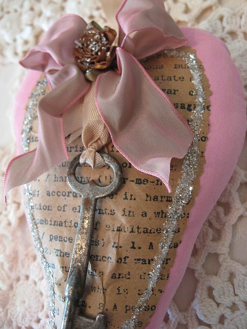 Craft Idea ~ Key-chain Holder w/antique key