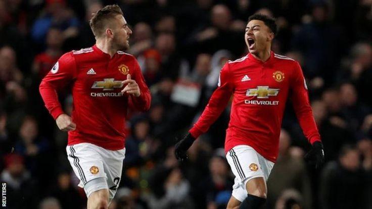 Manchester United bangkit dari ketertinggalan dua gol untuk menyangkal kemenangan Burnley di Old Trafford, sementara Harry Kane memecahkan rekor mencetak
