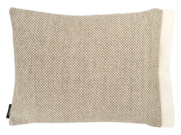 Unashamedly Country!  Size 47 x 35 xm  The joy of style and comfort Quality heavyweight upholstery fabric composition 75% cotton/ 25% polyester Feature sid...