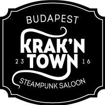 Bp első steampunk kocsmája 300 évvel repít az időben, H.G. Wells és Verne Gyula regényei által ihletett poszt-apokaliptikus világba, melyben újfent a gőzenergiáé a főszerep. Az angol konyha remekeit a magyar kézműves sörök krémjével párosítva, s mindezt egy teljesen egyedi, művészi odafigyeléssel kiképzett helyszínen felszolgálva a Krak'n Town gasztrokocsma valódi unikum a vendéglátóhelyek közt. Olyan ritkaságokat is rendelhetünk itt, mint haggis, angol húspite, toad-in-the-hole.