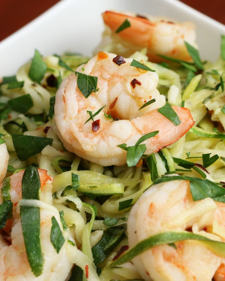 This Zucchini Shrimp Scampi Is A Mouth-Watering And Low-Carb Dinner zoodles