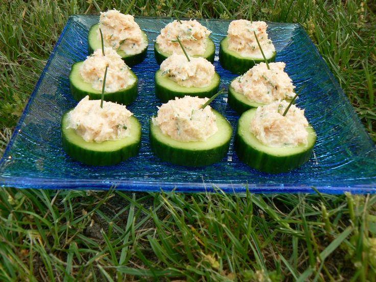Petites bouchées de concombre au crabe aperitif