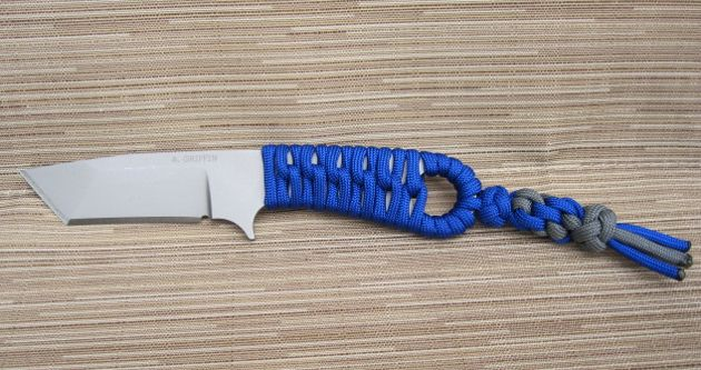 10 cool paracord knife handle wraps paracord knives for Knife lanyard ideas