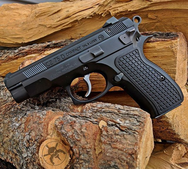 ⠀⠀⠀⠀⠀⠀⠀⠀ ⠀⠀⠀⠀⠀⠀⠀⠀⠀⠀ MΔΠUҒΔCTURΣR: Česká Zbrojovka  MΩDΣL: CZ 75D Compact  CΔLIβΣR: 9 mm  CΔPΔCITΨ: 14 / 16 Rounds  βΔRRΣL LΣΠGTH: 3.8  ШΣIGHT: 800 g  Save those thumbs & bucks w/ free shipping on this magloader I purchased mine http://www.amazon.com/shops/raeind  No more leaving the last round out because it is too hard to get in. And you will load them faster and easier, to maximize your shooting enjoyment.