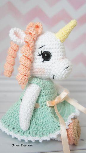 PDF Крошка единорожка. Бесплатный мастер-класс, схема и описание для вязания игрушки амигуруми крючком. Вяжем игрушки своими руками! FREE amigurumi pattern. #амигуруми #amigurumi #схема #описание #мк #pattern #вязание #crochet #knitting #toy #handmade #поделки #pdf #рукоделие #единорог #единорожка #unicorn #лошадь #лошадка #пони #конь #horse