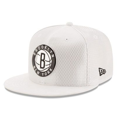 Men's Brooklyn Nets New Era White 2017 Official On-Court Collection 59FIFTY Fitted Hat
