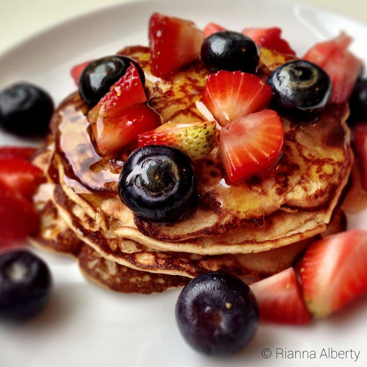 Banana Protein Pancakes with Mixed Berries