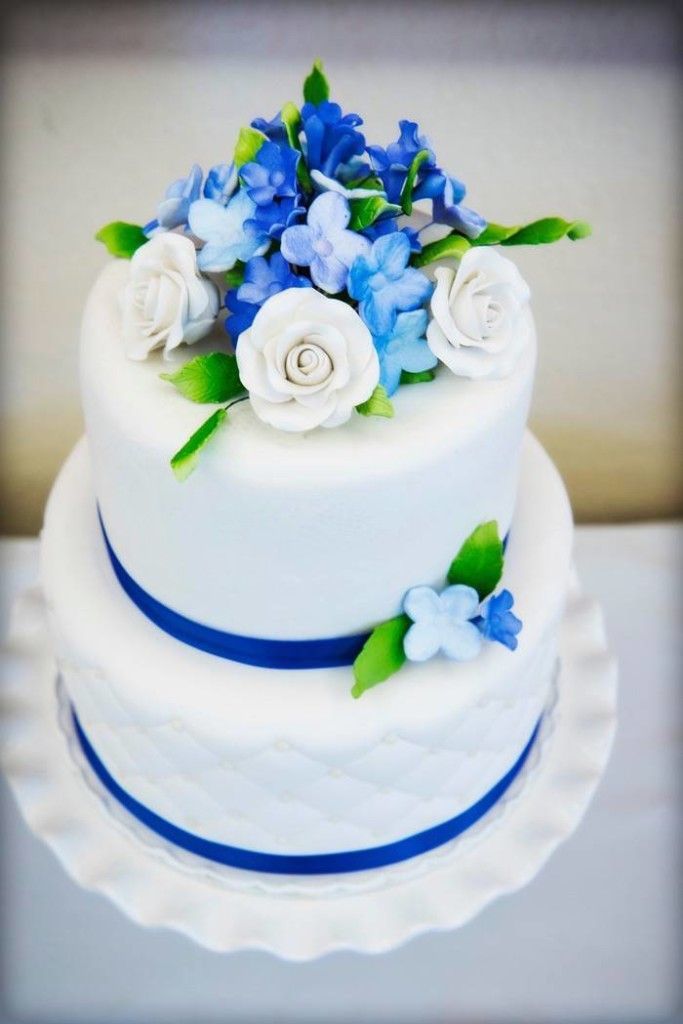 Best 25+ Royal blue cake ideas on Pinterest | Royal blue ...