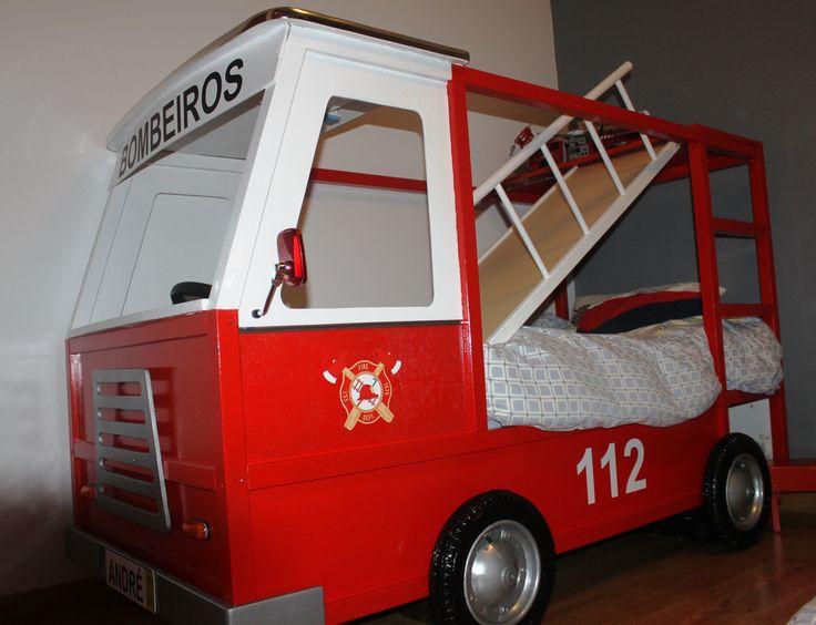Cama Carro de Bombeiros a partir de cama Kura do Ikeia - Kura Ikea Hack Fire Truck bed