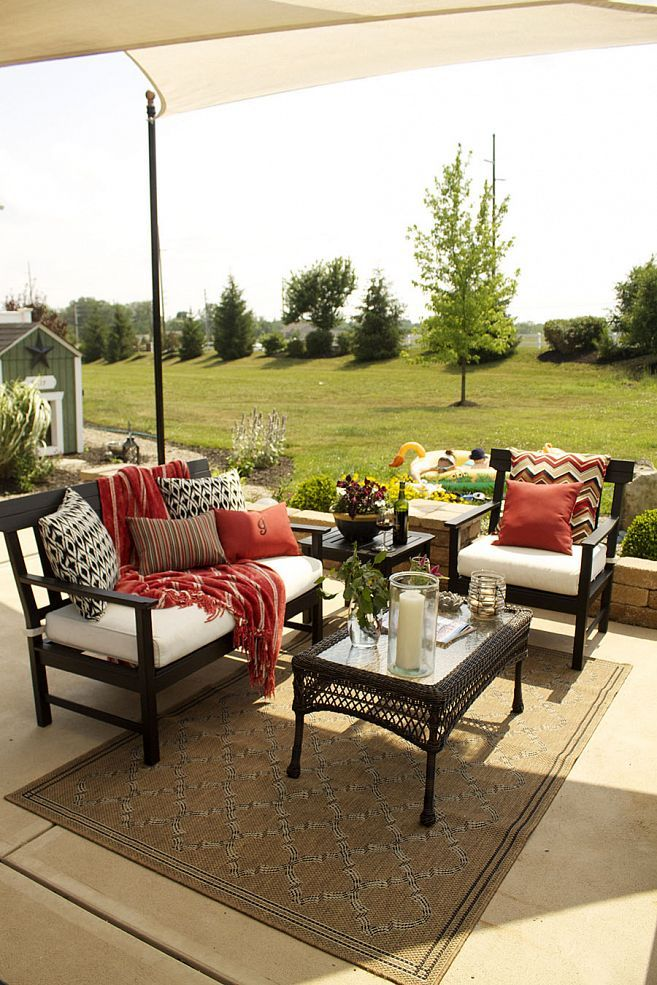 Transform your patio furniture into beautiful, painted masterpieces!