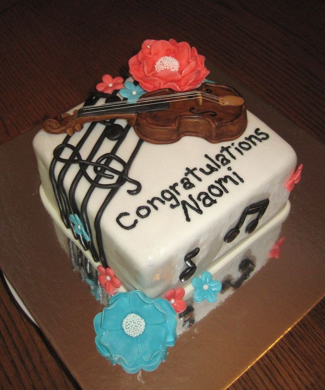 The 25 best violin cake ideas on pinterest piano cakes for Violin decorating ideas