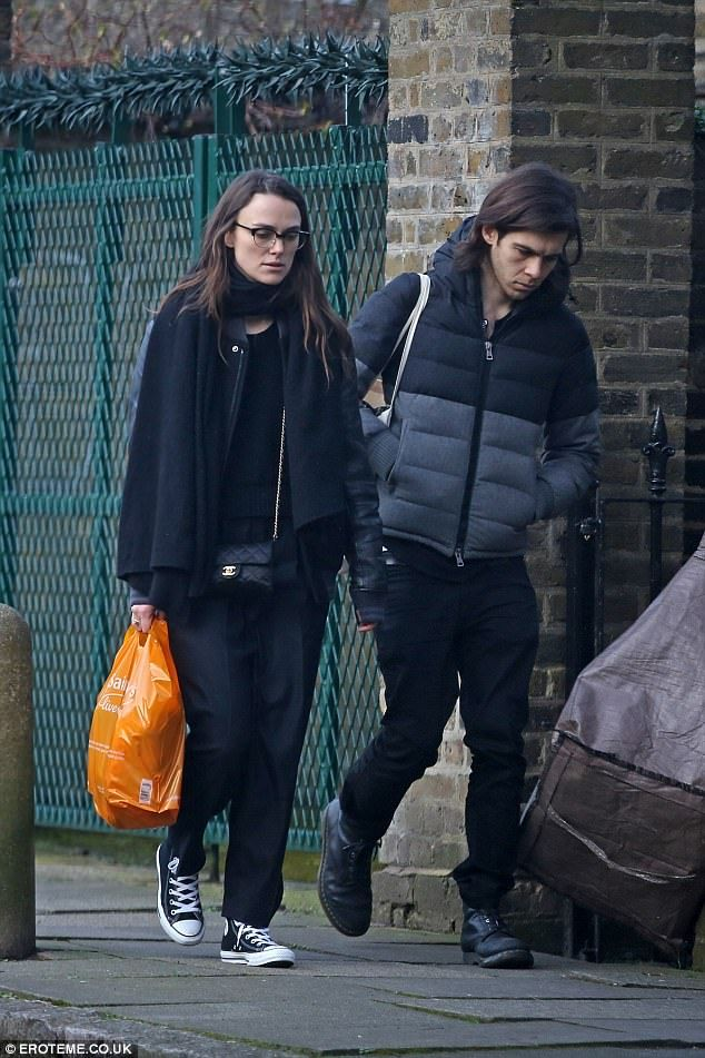 Keira Knightley steps out with hubby James Righton #dailymail