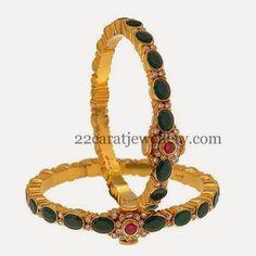 Jewellery Designs: Pota Emerald Antique Bangles