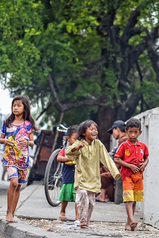 Smilling kids...Jakarta City