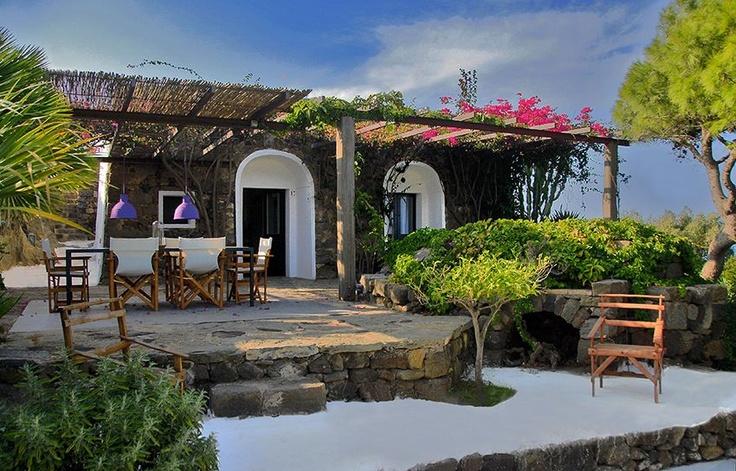Dammuso mozzafiato - Khanià, Grecia  http://www.home-lab.org/Immobile/Dammuso-Pantelleria-238.html