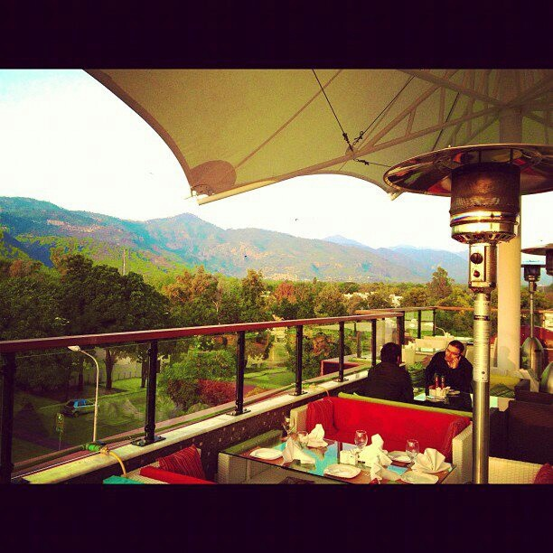 "Lake View Islamabad: Roof Top Cafe "" ATRIO "" - Islamabad Pakistan"