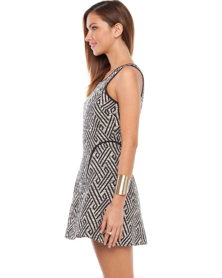 Vanishing Point Dress by Elliatt Online   THE ICONIC   AustraliaMY BAG(2 items)       Costa Rica Dress Size: AU 6 Quantity: 1 Price: AUD $41.98       Popsicle Dress Size: AU 10 Quantity: 1 Price: AUD $59.99      RU025SK14TEF Costa Rica Dress 1 $41.98 AUD   RU025SK25RVE Popsicle Dress 1 $59.99 AUD   View Bag     Login▼      Email Address *    Password *    Remember Me    Forgotten your password?   Don't have a password yet?   Create Account      Wishlist (0)                 Free Overnight ...
