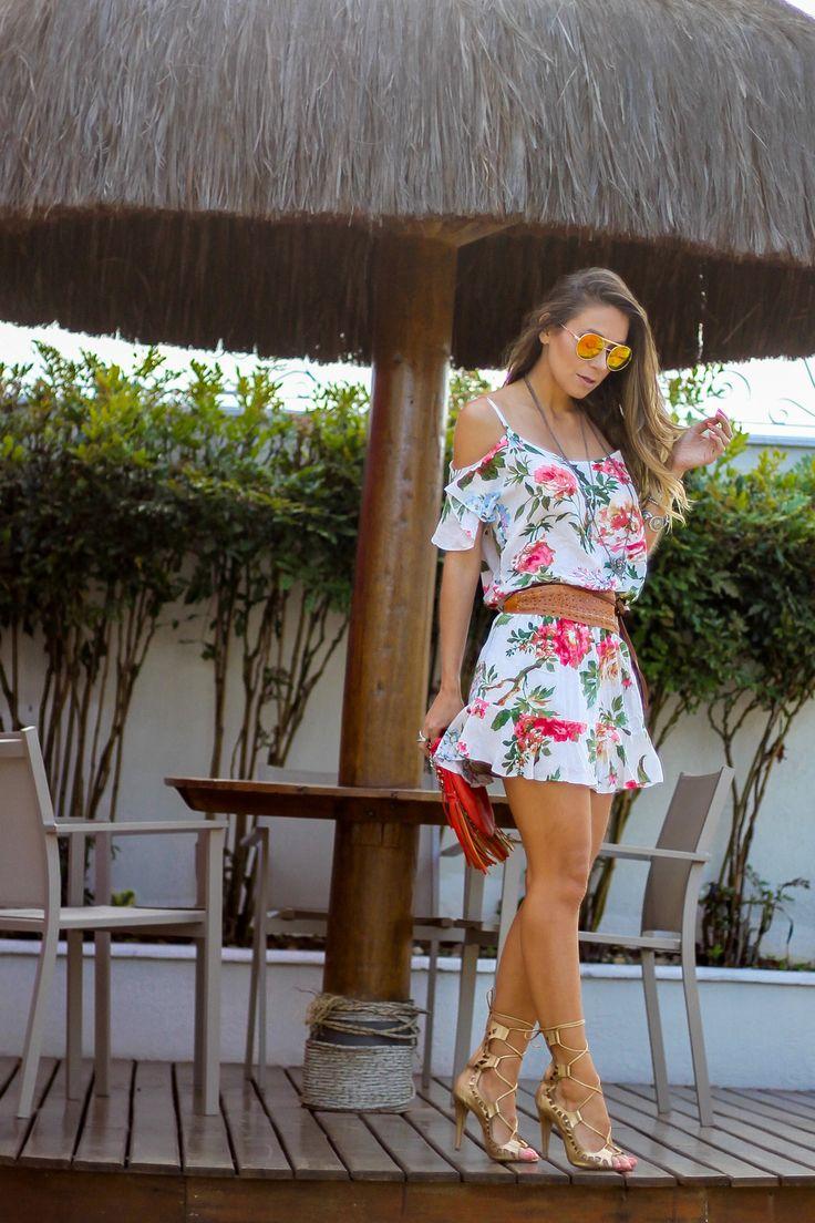 look-com-vestido-curto-floral