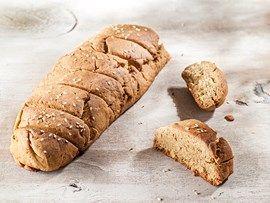 Παραδοσιακό γλυκό ψωμί με κανελοζάχαρη