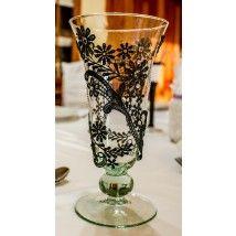 Váza fekete csipke díszítéssel