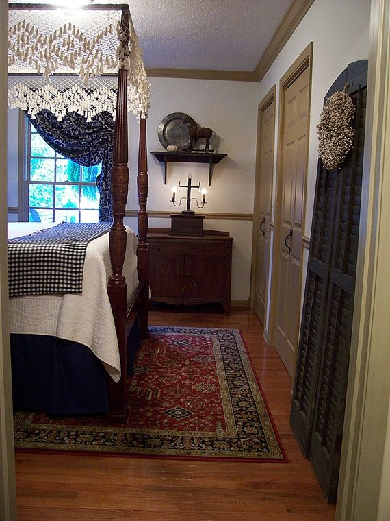 Fall Pictures 2016..Guest Bedroom....Linda B. www.picturetrail.com/theprimitivestitcher