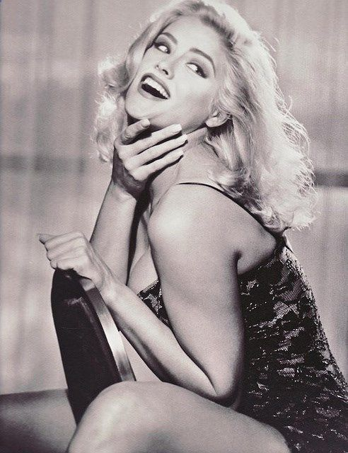 Anna Nicole Smith Guess advertising campaign - glamour