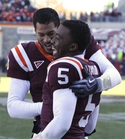 logan thomas virginia tech | Virginia Tech quarterbacks Tyrod Taylor (5) and Logan Thomas, left ...
