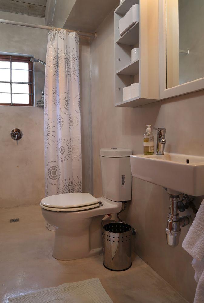 Selsey Cottage: Full Bathroom FIREFLYvillas, Hermanus, 7200 @fireflyvillas ,bookings@fireflyvillas.com,  #SelseyCottage  #FIREFLYvillas #HermanusAccommodation