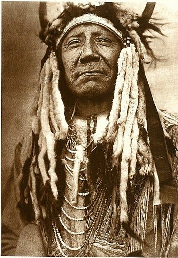 Two Moons, Northern Cheyenne war chief (1910) - Edward Curtis ~ pride