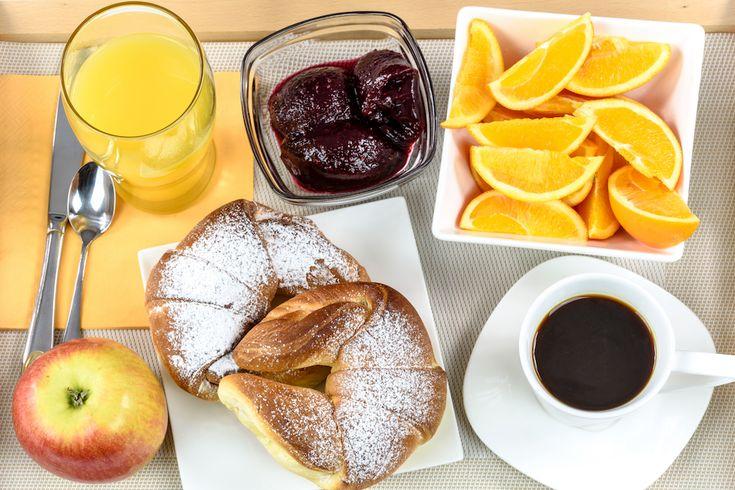 desayuno continental en el brunch