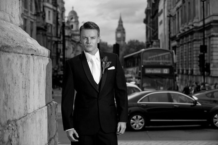 Stores throughout Sydney, Brisbane and the Gold Coast specialising in suits for business, weddings and grooms, formal occasions. Designer label collections.