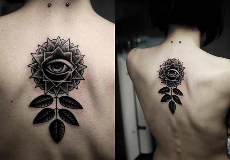 Черное и белое: татуировки на теле