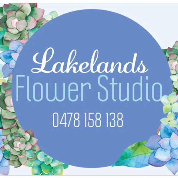We select only the very best premium artificial flowers. Servicing interior decor for salon's, office, home, bridal, weddings and events.
