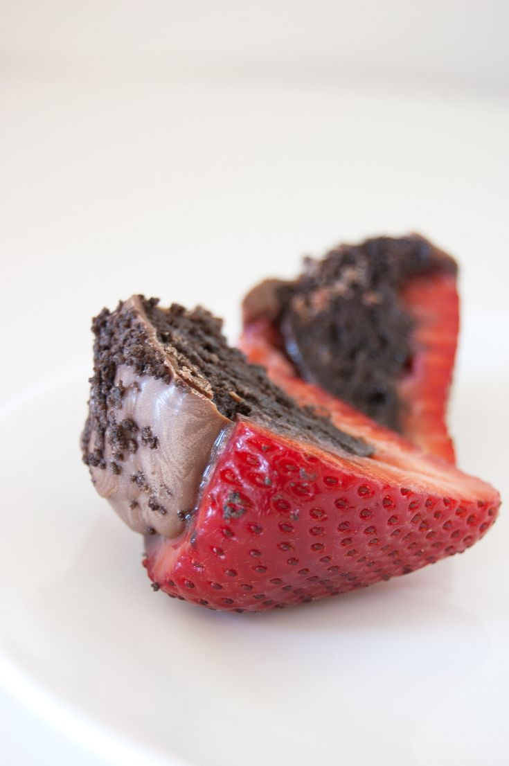 Oreo-Truffle-Stuffed Strawberries: The Only Thing Better Than Chocolate-Covered