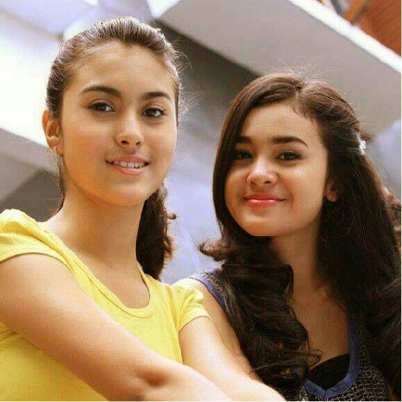 yasmin and sister