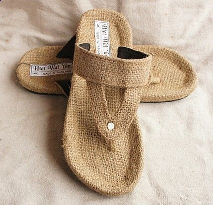 Sandals Summer Summer mens slippers-Men sandals-Straw by janicewinner on Etsy - There is nothing more comfortable and cool to wear on your feet during the heat season than some flat sandals.