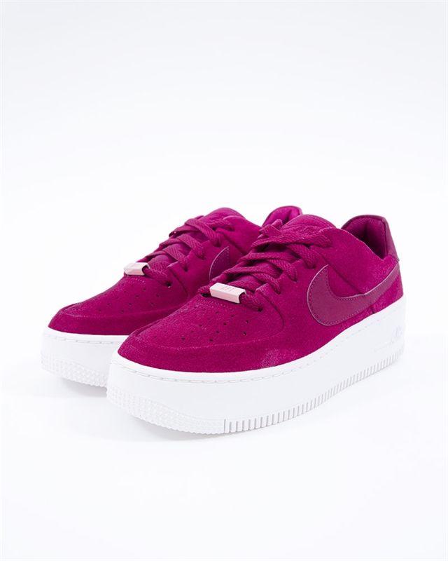 Nike Wmns Air Force 1 Sage Low | AR5339 600 | Röd | Sneakers